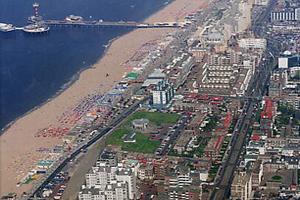 Petitie strandpaviljoens Scheveningen voor schoner strand
