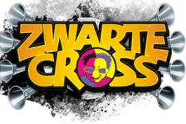 Onderwatercafé op festival Zwarte Cross