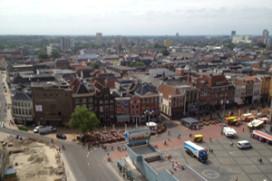 Youp van 't hek roemt hotel in Groningen