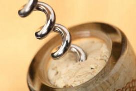 Stenden wil record wijnflessen openen verbeteren