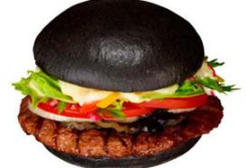 Zwarte hamburger bij Burger King