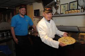 Snack-Plaza Willem de Boer start wedstrijd Mijn Pizza