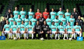 Profs FC Dordrecht runnen voor één dag restaurant