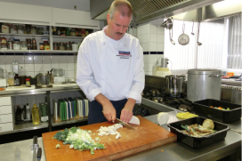 Wereldrecordpoging non-stop koken voor Nederlander