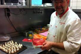Restaurant serveert pinguïns om Blijdorp te helpen