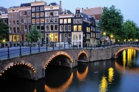 Amsterdam blijft populairste stad