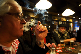 47 Procent rokers kiest café waar gerookt mag worden