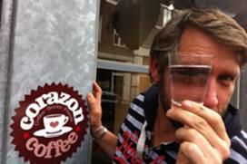 Bronwater van de kaart in Amersfoorts café