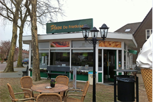 Cafetaria Top 100 nummer 93: Plaza De Frietkraam, Mill