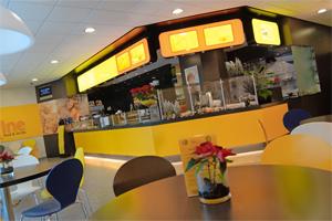 Cafetaria top 100 nummer 71 lifeline food drinks for Lifeline interieur