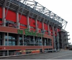 FC Twente daagt Grolsch voor de rechter