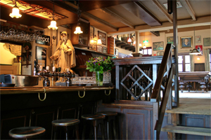 Café Top 100 nummer 76: 't Stulpke, Uden