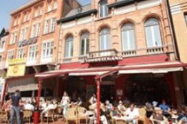 Door brand getroffen top 100-café heropent in november