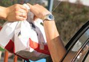 'Fastfood gevaarlijk voor weggebruikers