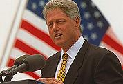 Clinton gooit frisdrank uit scholen