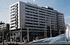 Gevelplaten Hilton vielen door 'falende verankering