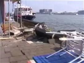 Cruiseschip ramt Italiaans restaurant