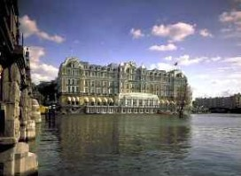 Gasten Amstel Hotel krijgen brief