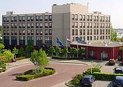 Overnameslag Fletcher met drie nieuwe hotels