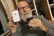 Vader Abraham wil rookvrij cafe op pleintje uitbrengen