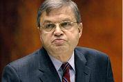 Hirsch Ballin: Meer controle op wapens in horeca