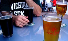 'Brouwers bevorderen bierdrinken op straat