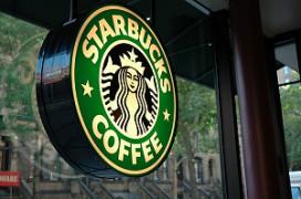 Reorganisatie zet Starbucks op verlies