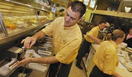 Cafetariapersoneel scoort een dikke acht