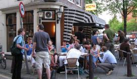 'Staand biertje drinken op terras moet kunnen