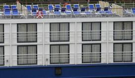 Toerist overlijdt na val van hotelboot