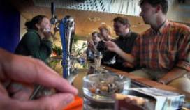 Rotterdamse caféhouders demonstreren tegen rookverbod