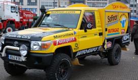 Frituurwagen rijdt Parijs-Dakar