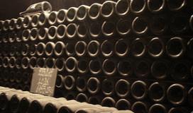Zakelijk Nederland schenkt minder champagne