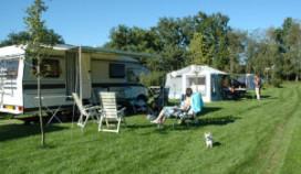 Minder gasten voor campings en hotels