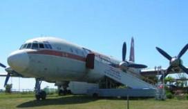 Hotelsuite in historisch vliegtuig in Teuge