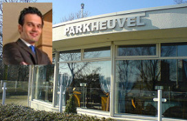 Maître Asar verlaat Parkheuvel