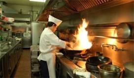 Minister eist boete Chinees voor illegale kok