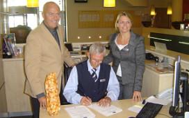 Dorint verlengt contract 76-jarige medewerker