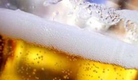 Vrouw start nieuwe bierwebsite
