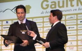 Raymond Prinsen apetrots op wijnaward GaultMillau