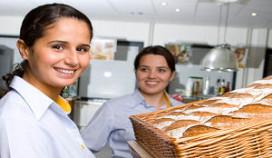 Rijnierse: 'Zet catering-medewerker in het zonnetje