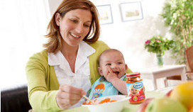 Baby's gaan uit eten