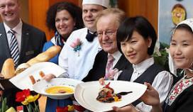 Chef-kok Hilton Rotterdam kookt Hollandse pot in Seoul