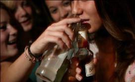 Jeugd krijgt alcohol mee maar probeert minder