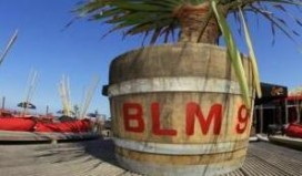 Afgebrande Beachclub gaat verder in circustent