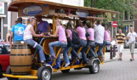 Bierfiets Amsterdam gekrompen