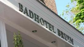 Langste tafelkleed ter wereld voor Badhotel Bruin