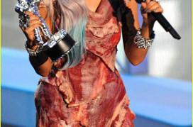 Restaurant maakt vleesjurk Lady Gaga na