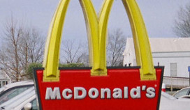 Overlast van zwerfkatten bij McDonald's Duiven