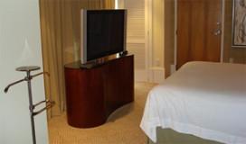 Onderzoek: televisie als slaapmiddel in hotelkamer